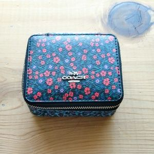 Coach Ditsy Daisy Travel Jewelry Box